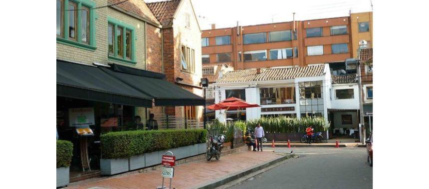 Los Rosales Street View