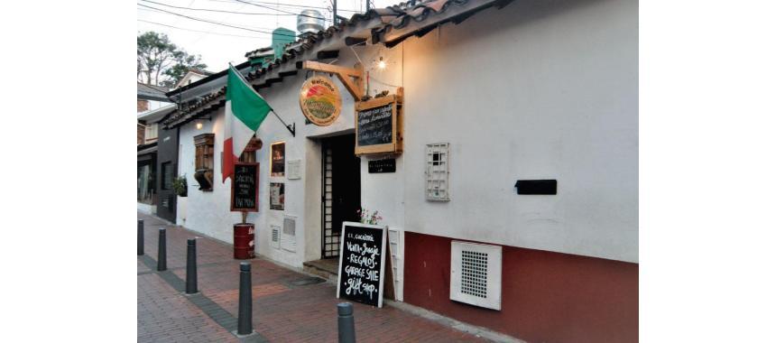 Cuchitril facade in Usaquén