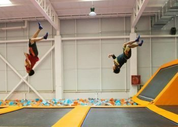 Freestyle jump Summit Trampoline Park