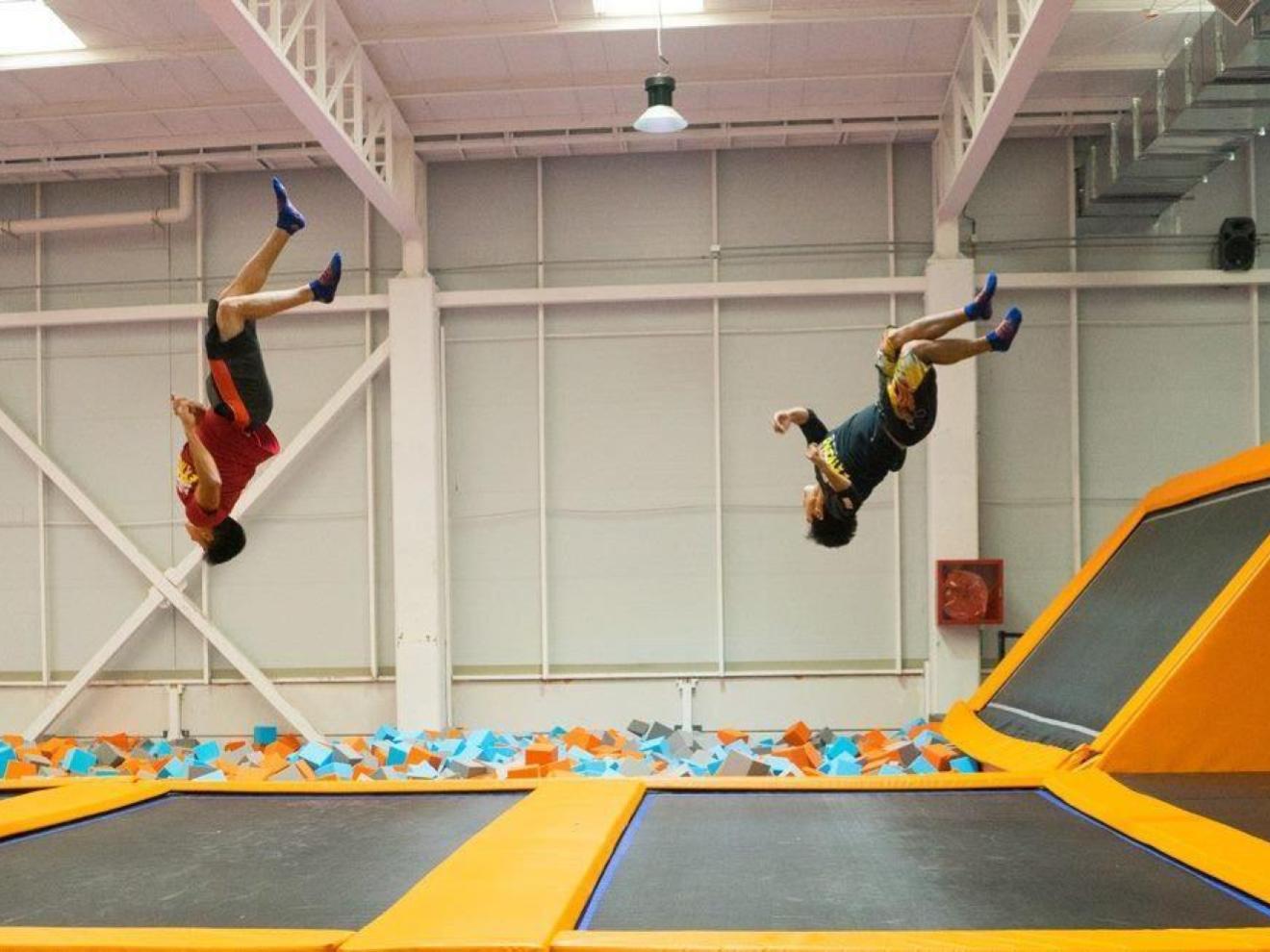Freestyle jump Summit Trampoline Park