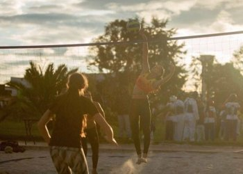 The annual beach volleyball tournament at the Festival de Verano
