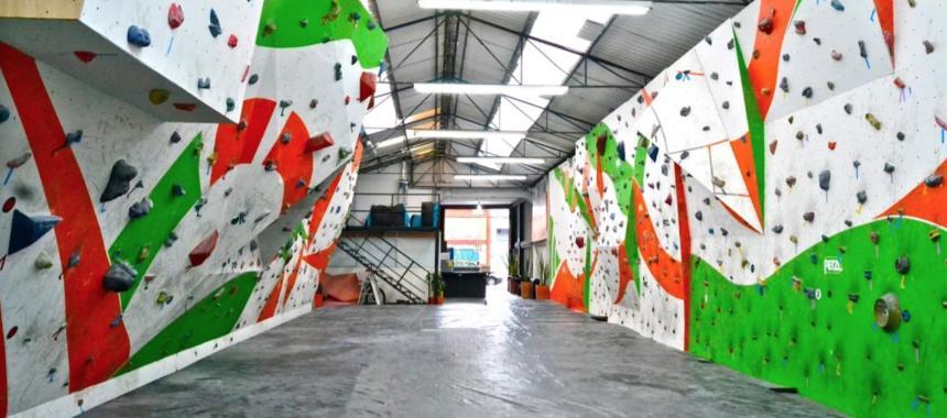 Rock climbing gym in Bogotá