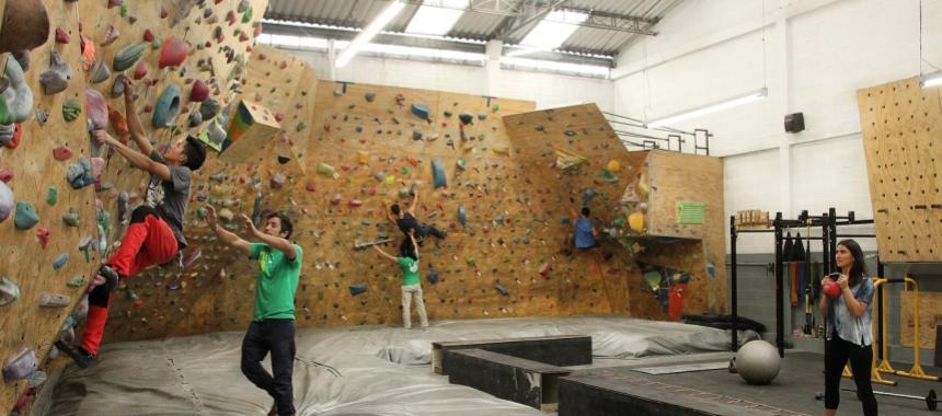 Weya boulder gym